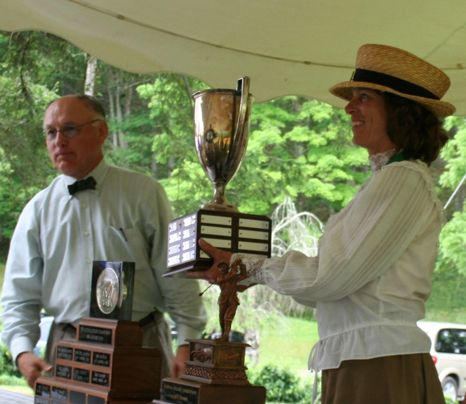 2010 Ladies Champion Sherry Smeltzer