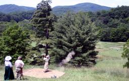Explosivo tee ball